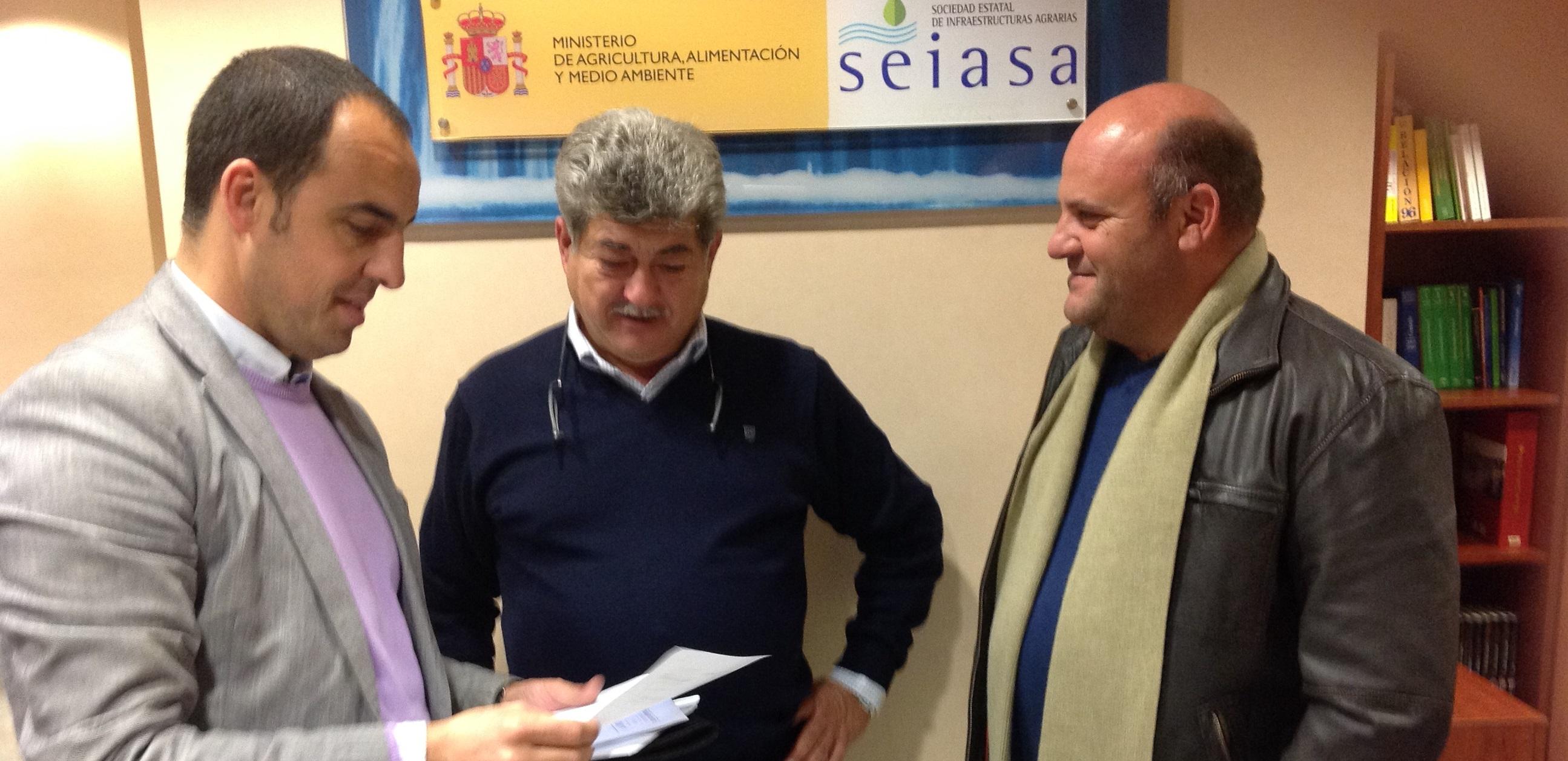 REGANTES Y CONCEJAL DE AGRICULTURA EN SEIASA DE SEVILLA 14 2