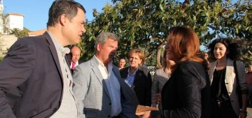 Carmen Crespo recibe la Níspola de Oro en Otívar