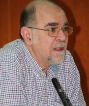 El poeta y Premio Nacional Antonio Carvajal visita este jueves el IES Antigua Sexi 2