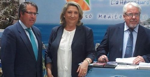 ALCALDESA DE ALMUÑECAR JUNTO AL CONCEJAL DE TURISMO SEVILLA Y RAFAEL LAMELAS 14 2