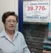 CONCEPCION GUILLEN JUNTO AL PREMIO VENDIDO EN LA HERRADURA 14 2