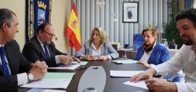 Firma de convenio de colaboración entre la Universidad de Granada y el Ayuntamiento de Almuñécar