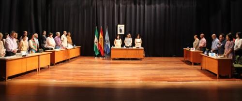 Minuto de silencio por la muerte de Araceli en el Pleno del Ayuntamiento de Almuñécar