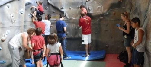 """Más de 200 niños y sexitanos disfrutaron de la III Gran Gymkana Deportiva promovida por """"Almuñécar Ciudad Sana"""""""