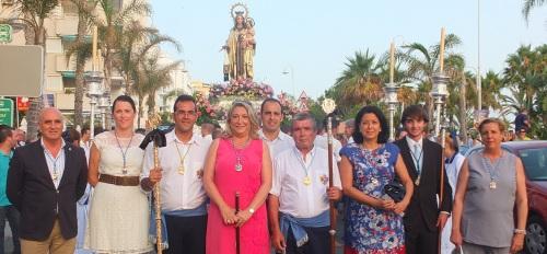 Autoridades y miembros de su hermandad acompañaron a la Virgen del Carmen en su procesión por San Cristóbal