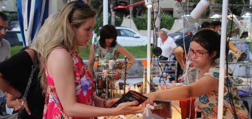 Cientos de personas visitan la II Feria de Minerales y Fósiles de Almuñécar