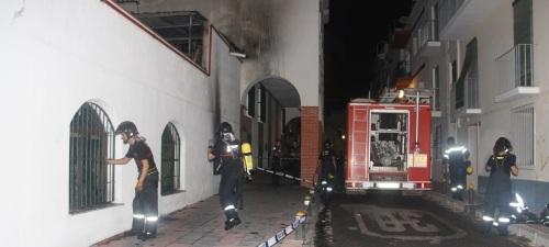 BOMBEROS SEXITANOS TERMINANDO LAS TAREAS EN HOTEL CARMEN ALMUÑECAR 14 2