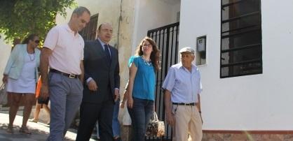 La Diputación apoya la petición de Ítrabo para señalizar la entrada al municipio desde la rotonda de la nueva autovía