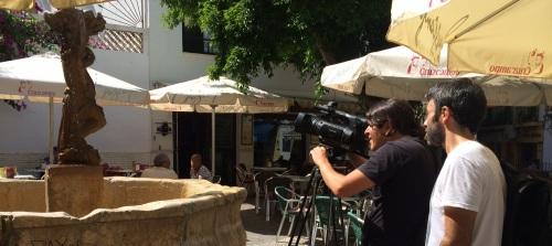 EQUIPO TV GRABANDO EN  PLAZA LOS HIGUITOS 14 2