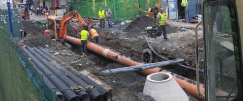 Trabajadores en las obras en la Avenida de Andalucía de Almuñécar
