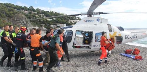 PARAPENTISTA HERIDO Y EVACUADO EN HELICOPTERO EN LA PLAYA DE LA HERRADURA 14