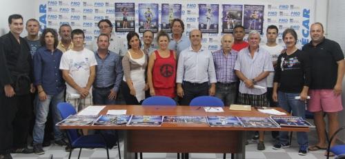 REPRESENTANTES  DE CLUBES SEXITANOS TRAS LA FIRMA DE CONVENIOS 14