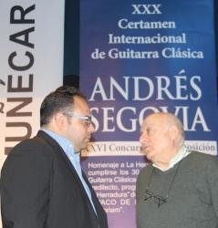 Antonio Martín Moreno y Juan José Ruiz Joya informan del acuerdo del jurado de dejar desierto el XXVI Concurso de Composición