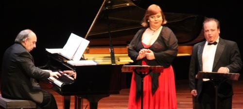 Concierto lírico en Almuñécar protagonizado por la soprano finlandesa Anni Raunio y el tenor granadino Pablo Martín, acompañados al piano por Juan J. Muñoz Cañivano