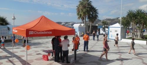 Ciudadanos instala una carpa informativa en el paseo de San Cristóbal