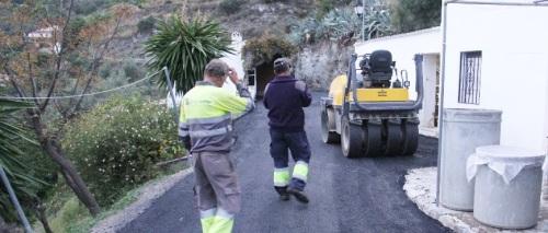 El Ayuntamiento de Almuñécar mejora los accesos al pago El Cerval Alto
