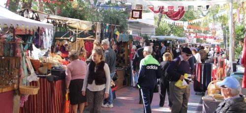 Mercadillo Medieval de las Culturas en el paseo del Altillo de Almuñécar