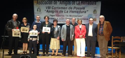 """Premiados junto a los organizadores y jurado del VIII Certamen de Poesía """"Amigos de La Herradura"""""""