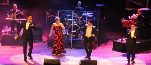 """El público de Almuñécar pudo disfrutar el espectáculo musical """"Se llama copla"""""""