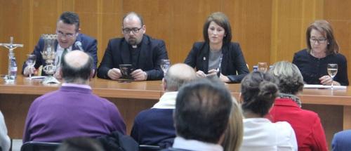 """Con la conferencia """"Relevancia de la mujer en la Semana Santa"""" se inauguraron las IV Jornada Cofrades"""