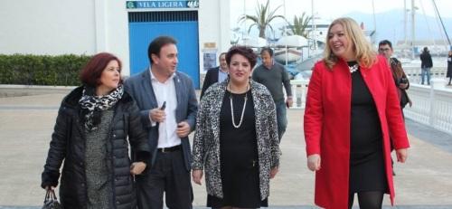 Teresa Jiménez, secretaria general del PSOE granadino, junto a dirigentes del PSOE de la Costa Tropical