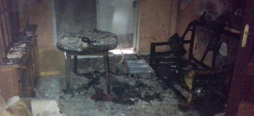 Un brasero eléctrico provoca un incendió en un piso de Almuñécar