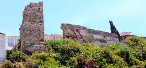 Almuñécar solicita al Ministerio de Fomento el 1,5% cultural para restaurar la muralla islámica