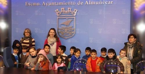 Alumnos de cinco años del CP Virgen de la Antigua visitan el Ayto. de Almuñécar 2