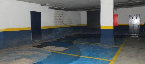 Desperfectos en los aparcamientos de los bajos del Paseo del Altillo
