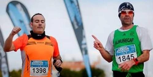 Atletas sexitanos participaron en El Zurich Maratón de Sevilla