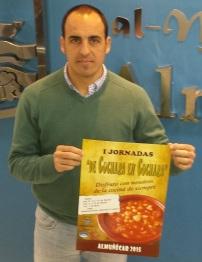 """José Manuel Fernández Medina, concejal de Comercio del Ayuntamiento de Almuñécar, presenta la campaña para dinamizar la hostelería local """"De cuchara en cuchara"""""""