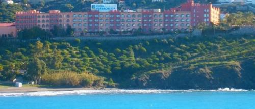 Vista del hotel Playacálida de Almuñécar