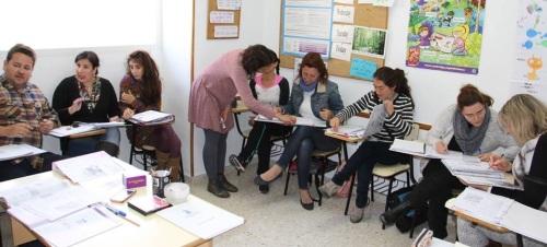 Alumnos en una clase de Inglés