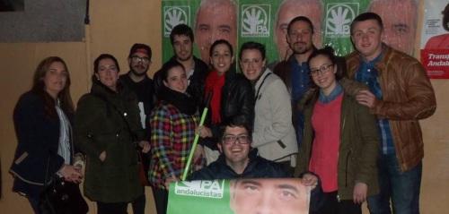 Los jovenes de CANDA abre la campaña electoral de las elecciones andaluzas con la tradicional pegada de carteles