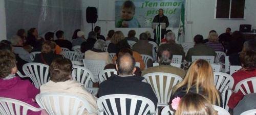 Mitin de Juan Carlos Benavides, Partido Andalucista, en el barrio de Las Maravillas de La Herradura (Almuñécar)