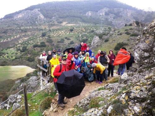 Senderistas sexitanos hicieron una ruta por Moclín y su cañón del río Velillos