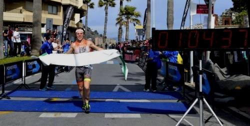 Antonio Gómez De La Torre ganó el II Triatlón Desafío Pikaeras de Almuñécar