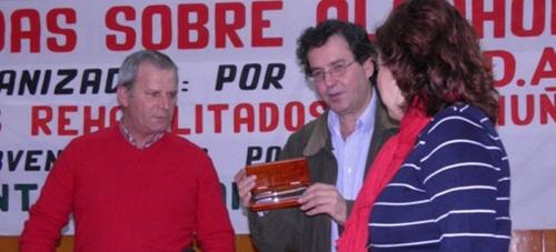 Miguel López Estévez (de rojo) en un acto de ARDA