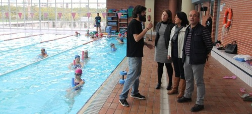 """La Piscina Municipal de Almuñécar acoge este fin de semana un curso de """"actividades acuáticas y natación adaptadas para personas con discapacidad 1: discapacidad Intelectual"""""""