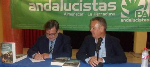 """Calvo Poyato  presentó en Almuñécar su novela """"El Gran Capitán"""", en un acto cultural organizado por el PA."""