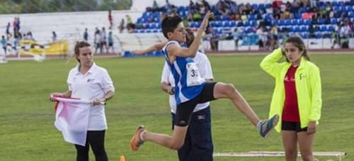 Darío Bruzón Salado se consagró Sub-Campeón de Andalucía en Triple Salto obteniendo un lugar en el podium