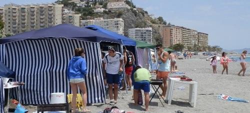 Inicio de acampada en la playa de Puerta del Mar de Almuñécar por San Juan