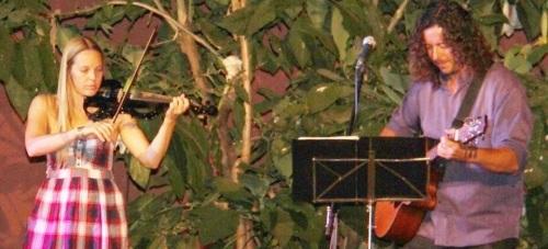 Bello concierto de Forasteros en los jardines de La Najarra
