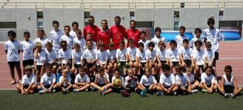 El Campus de Tecnificación de Fútbol de Salobreña recibe la visita de Laura Pérez