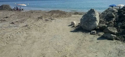El subdelegado del Gobierno anuncia que este miércoles Costas actuará en las playas de Salobreña