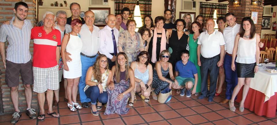 JUBILACION DE MARIA DEL CARMEN LOPEZ BRETONES Y  MANOLO CONTRERAS DEL CEIP ARCO TORRECUEVAS ALMUÑECAR 15