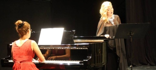 Momento de la actuación de Mariola Cantarero