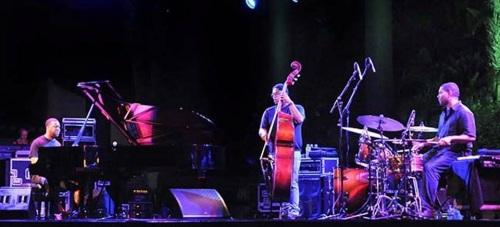 Robert Glasper, la esencia del Trío de Jazz en Almuñécar