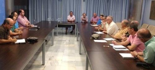 Ayuntamiento y regantes acuerdan crear un comisión para reclamar el agua de Rules