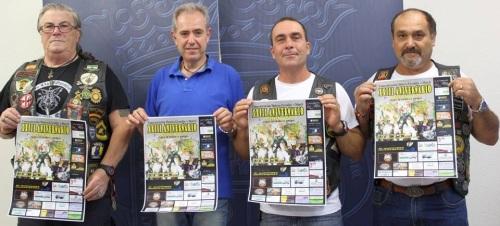 El concejal de Cultura, Francisco Ruiz, acompañado por José Luis Medina, presidente de la peña 'Gremlins Motril', ha presentado la XXIII edición de la concentración motera 'Gremlins Motril'